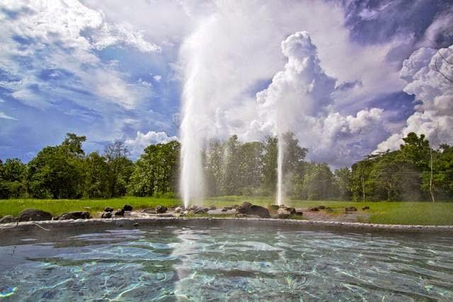 Sources d'eau chaude de San Kampaeng - Geyser