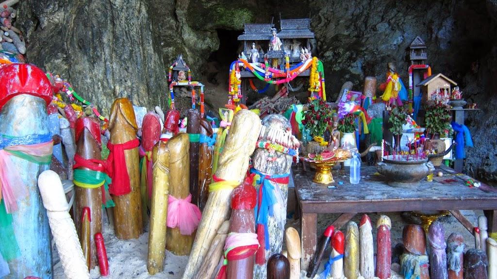 Que faire et voir à Railay - Tham Phra Nang, la grotte de la princesse