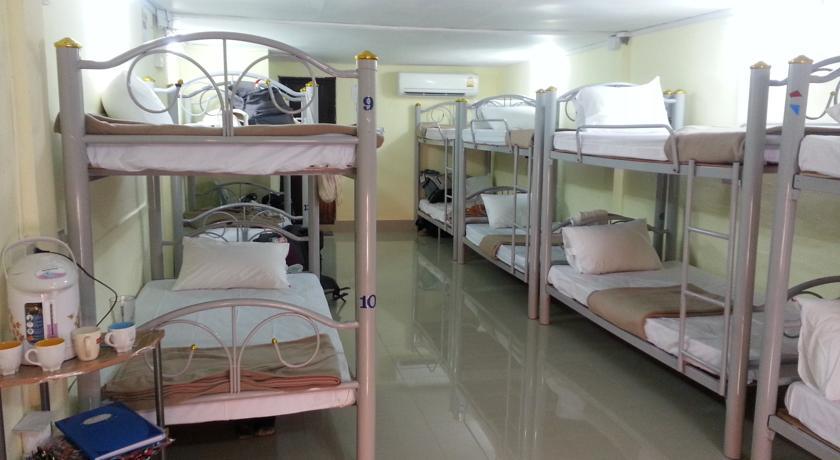 Auberges pas chères de Koh Phi Phi - vue dans un dortoir