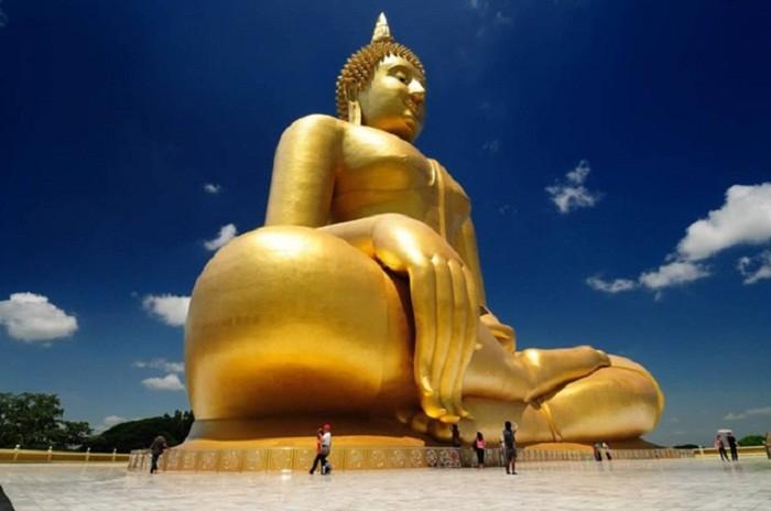 Le grand Bouddha de Ang Thong