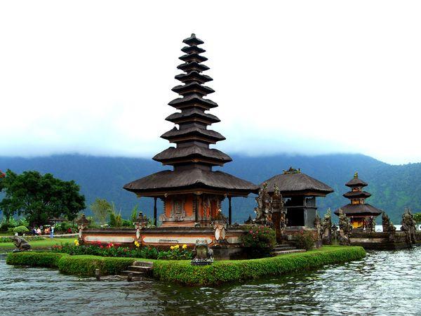 bali-temple_6764_600x450