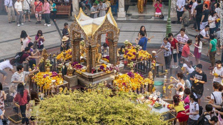 le temple d'erawan à bangkok
